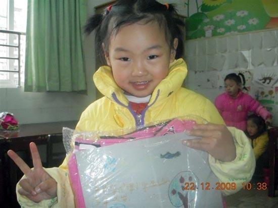 新赣州小学学前班大三班捐赠衣服小朋友小学名单牌坊豪德图片