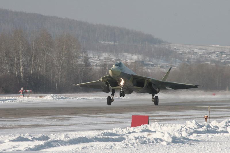 俄罗斯五代机研发机构苏霍伊官方网站公布了五代机首飞系列图片。俄五代机终于揭开了神秘面纱。