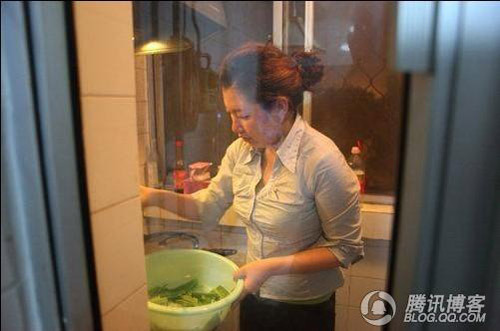 郑州市蜗居生活图片现实_北京蚁族的现实版蜗居生活