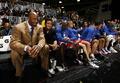 组图:NBA全明星名人赛 莫宁执教两湖人功臣