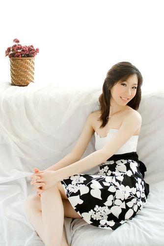 组图:中国花滑美少女私家写真曝光