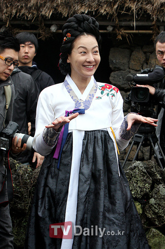 巨商金万德 2010年3月期 李美妍 河锡镇 朴率美 韩载硕 首...