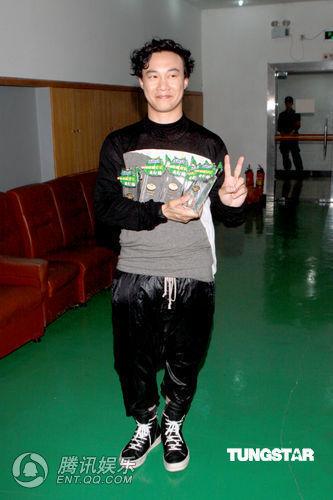 陈奕迅捧得原创音乐5项大奖 计划5月赴欧洲巡演