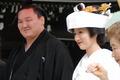 日本相扑手娶绝美新娘