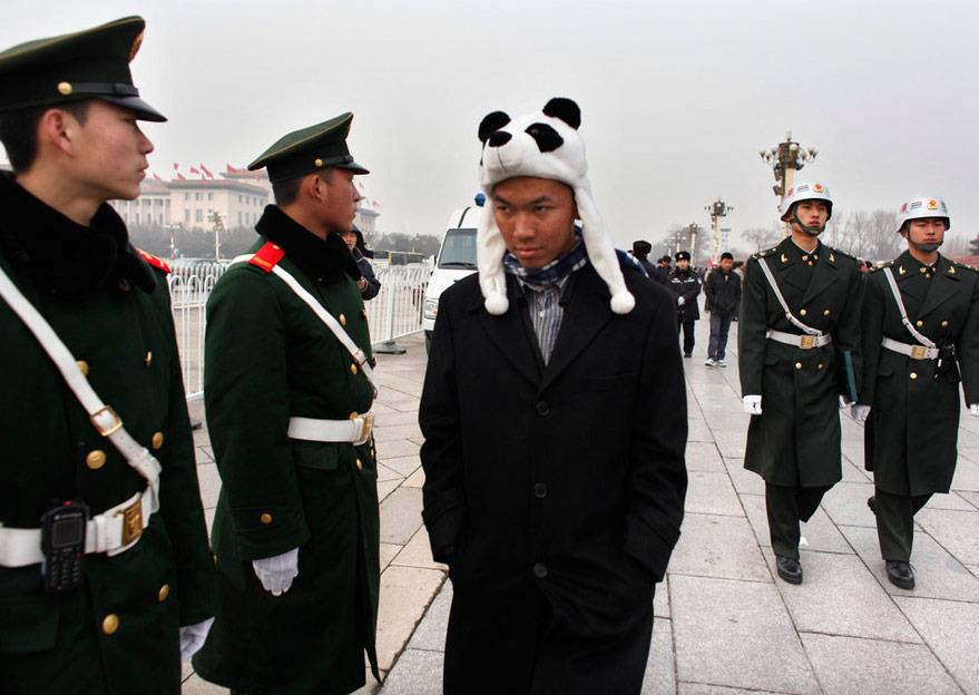 高清图:武警官兵天安门广场两会撷影[10P]