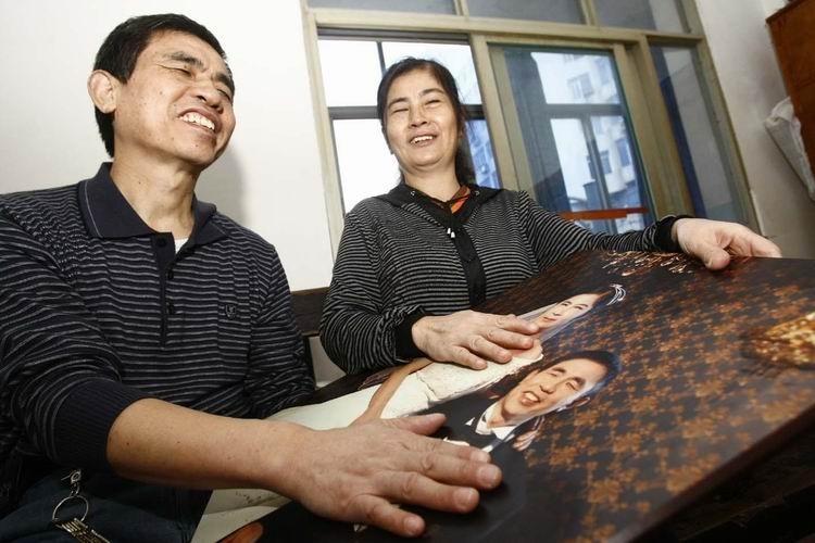 触摸幸福 哈哈,照片真大,我一定很潇洒,我老婆是不是也成18岁了啊
