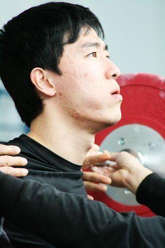 独家直击刘翔两会期间北京特训 伤脚仍在酸疼