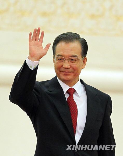 这是温家宝总理步入会场。新华社记者邢广利摄
