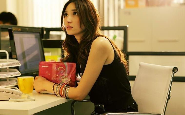《杜拉拉》美女云集 吴佩慈陷入办公室艳照门