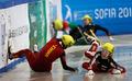 组图:周洋遭犯规摔倒出局 1500米中国全覆没