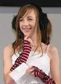 组图:14岁英国美少女 网络走红席卷日本宅男