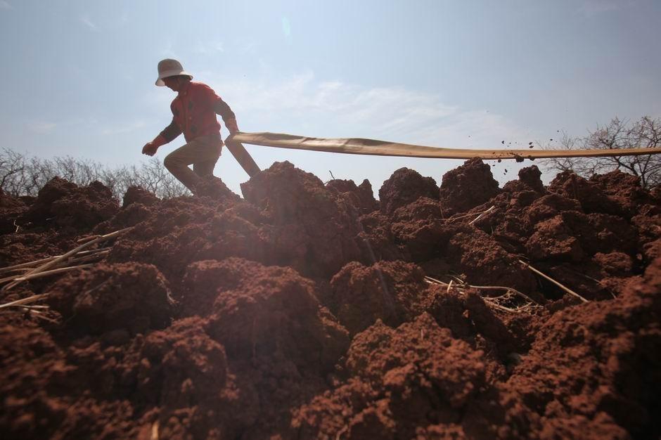 呈贡马金铺,等待灌溉的土地。(图片提供:都市时报)
