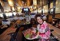 高清:曼谷日本餐馆 机器人当上服务员