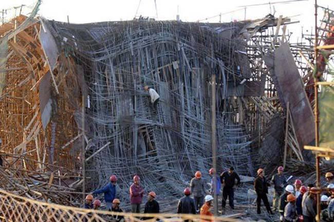 昆明在建新机场立交桥垮塌7死34伤