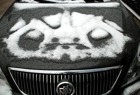 市民已经开始玩雪了 图片来源:大楚网友 余晓波