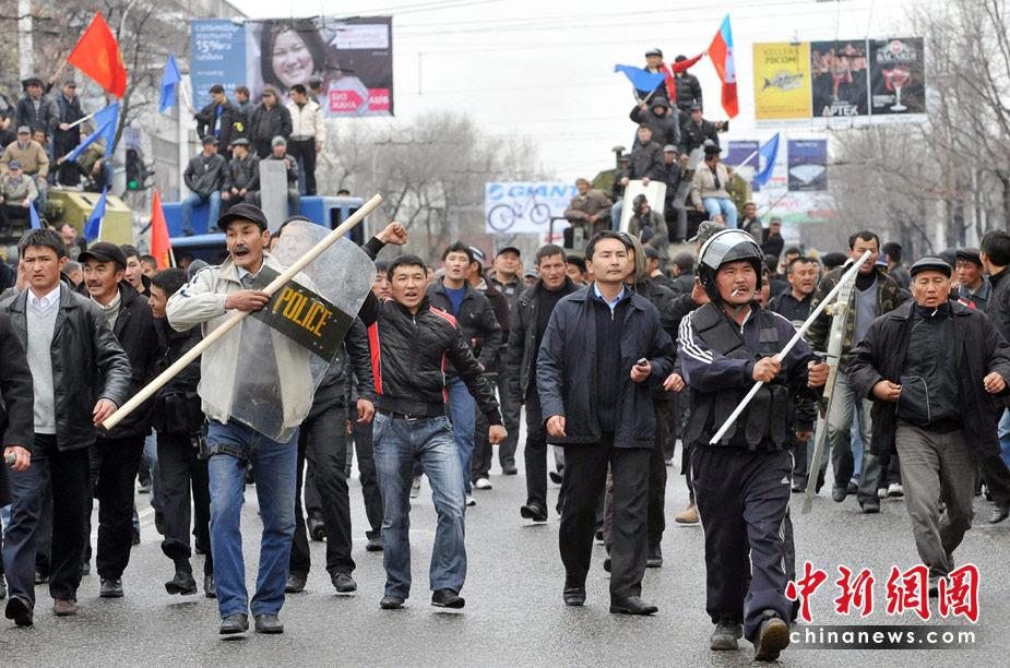 张召忠:吉国骚乱直接威胁中国新疆地区的安全