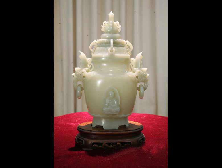 并顺遂奠定了泰邦手脚世界级珠宝中间的名望