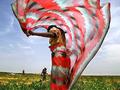 组图:全球特色时装潮流 展各地民族风情