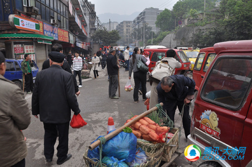 300代表上街保洁  四公里区域将集中整治