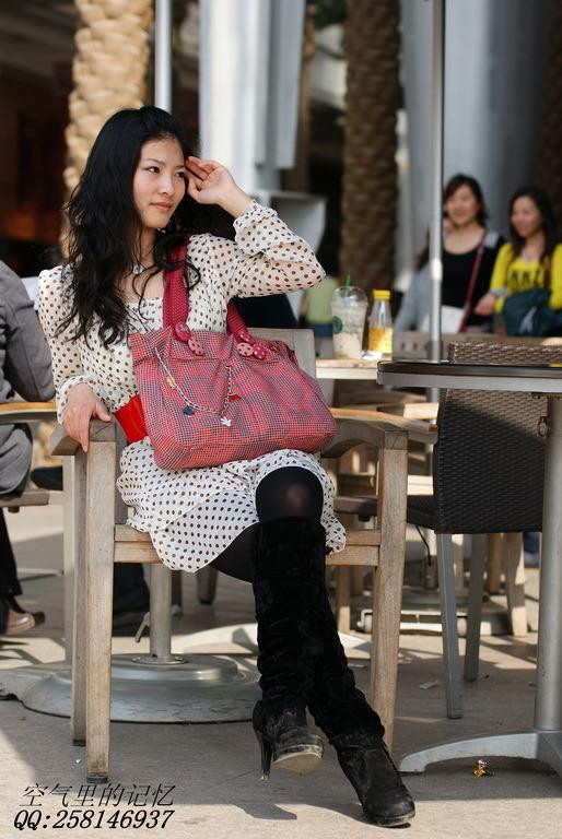 四城街拍组图美女+江城搜街丝袜开战(房东)美女二十三的我光谷岁的图片