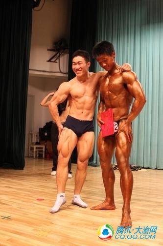 高中体育生肌肉