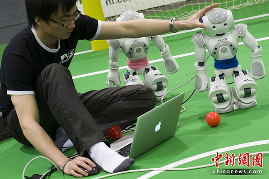 机器人世界杯足球赛即将开战