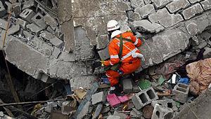 玉树震灾图片日志:4月16日
