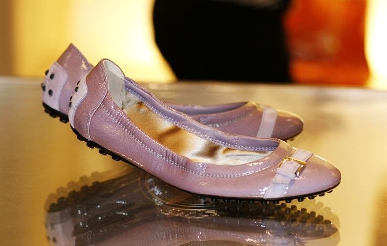 粉藕色豆豆鞋 2010年必败颜色价格:¥4000