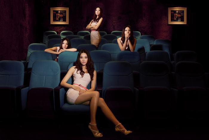 武汉名模演绎性感大片 一个人的电影