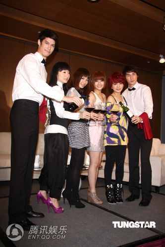 [2010.04.21]Momo Tao VS S.H.E 370046_500x500_0