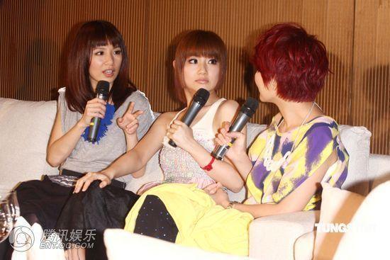 [2010.04.21]Momo Tao VS S.H.E 370049_1200x1000_0
