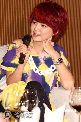 [2010.04.21]Momo Tao VS S.H.E 370055_1200x1000_0