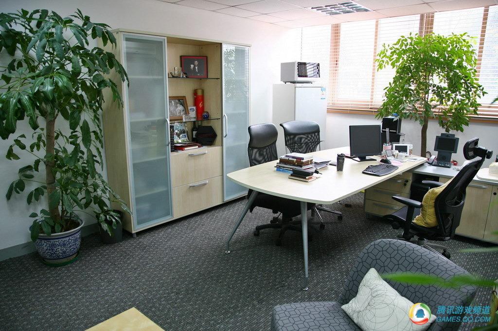 巨人网络总裁刘伟办公室图片