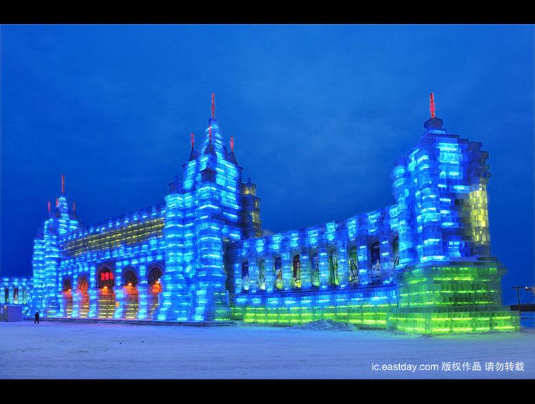 哈尔滨冰雪节炫丽夜景 创冰雪艺术之最 - 浅笑无痕 - 浅笑无痕,只留一抹寂寞....