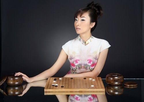 中国围棋第一美女被曝怀孕身份橙色尚是迷老公美女夜晚图片