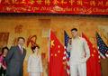 组图:姚明在美参加世博宣传 叶莉大肚出席