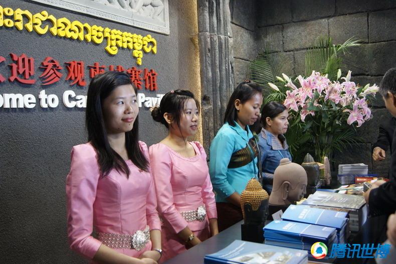 高清:特色民族服饰展示柬埔寨文明
