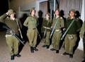 高清:英姿飒爽 以色列女兵的日常生活