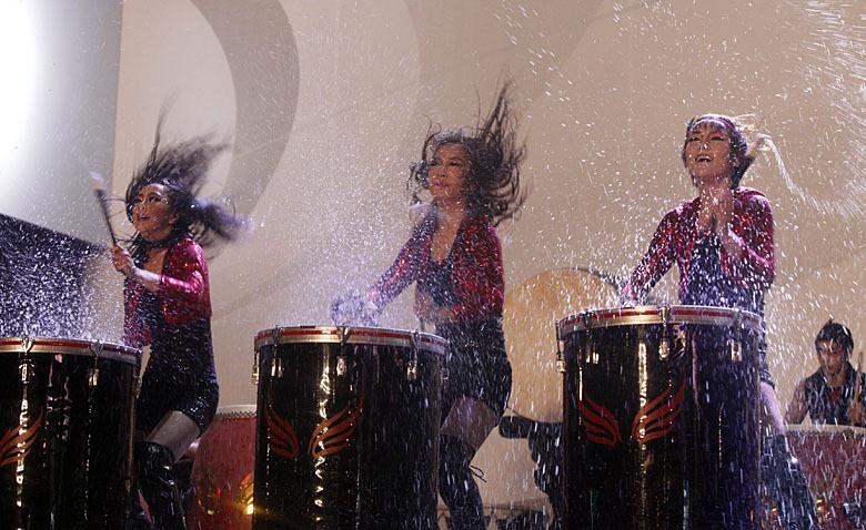 高清:韩国美女水表演