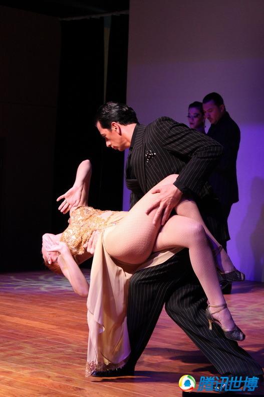 视频; 高清:阿根廷超靓美女大秀劲爆南美拉丁舞蹈;