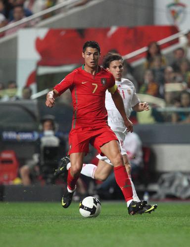 世界杯g组绝对巨星 c罗卡卡德罗巴领衔