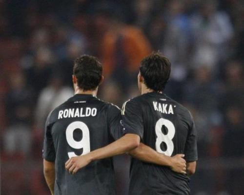 C罗与卡卡-世界杯G组绝对巨星 C罗卡卡德罗巴领衔图片