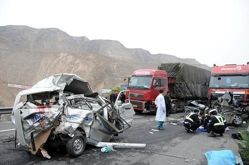 最近国内发生的几起重大交通事故汇总|新闻热