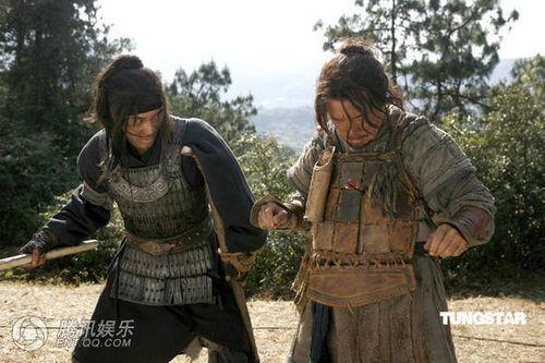 """王力宏舞剑刺伤成龙 卸下形象惨被""""强吻"""" - 王力宏 - LeeHom Wang"""