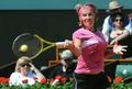 组图:法网库兹涅佐娃连下9局 卫冕冠军晋级
