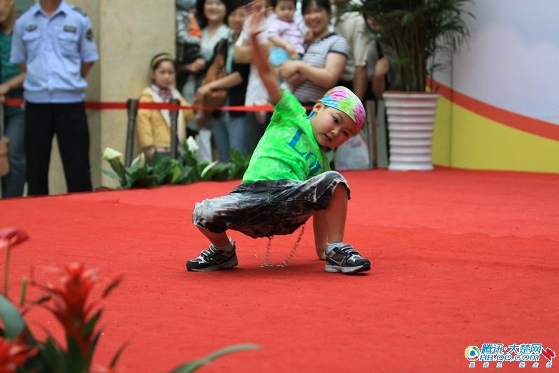 王泰熙小朋友的街舞秀