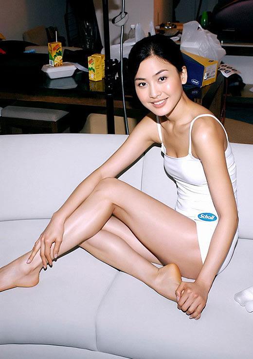 香港公认第一美女名模周汶 竖