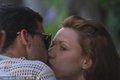 巴拉克海边与娇妻热吻
