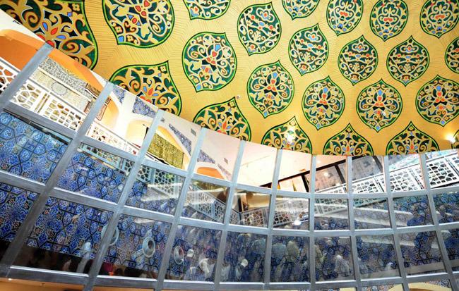 展馆设计体现了伊斯兰传统建筑的特色,展现出伊朗辉煌的古代艺术和