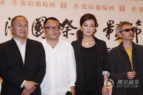 开幕日:赵薇和上影节的双赢——从嘘声到掌声